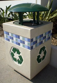 Sidewalk recycling barrel