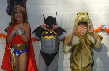 halloween costume contest the manhattan