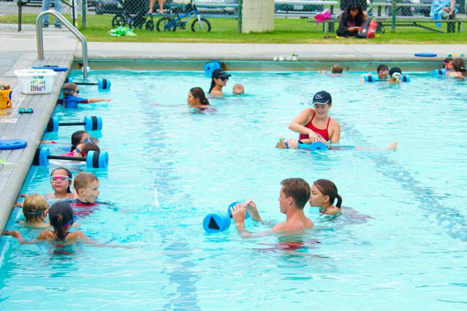 Group swim lesson at Begg Pool