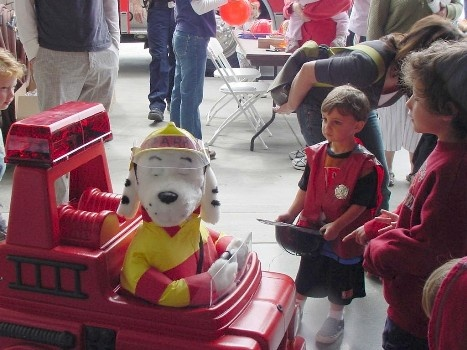 Kids meet the Fire Dog