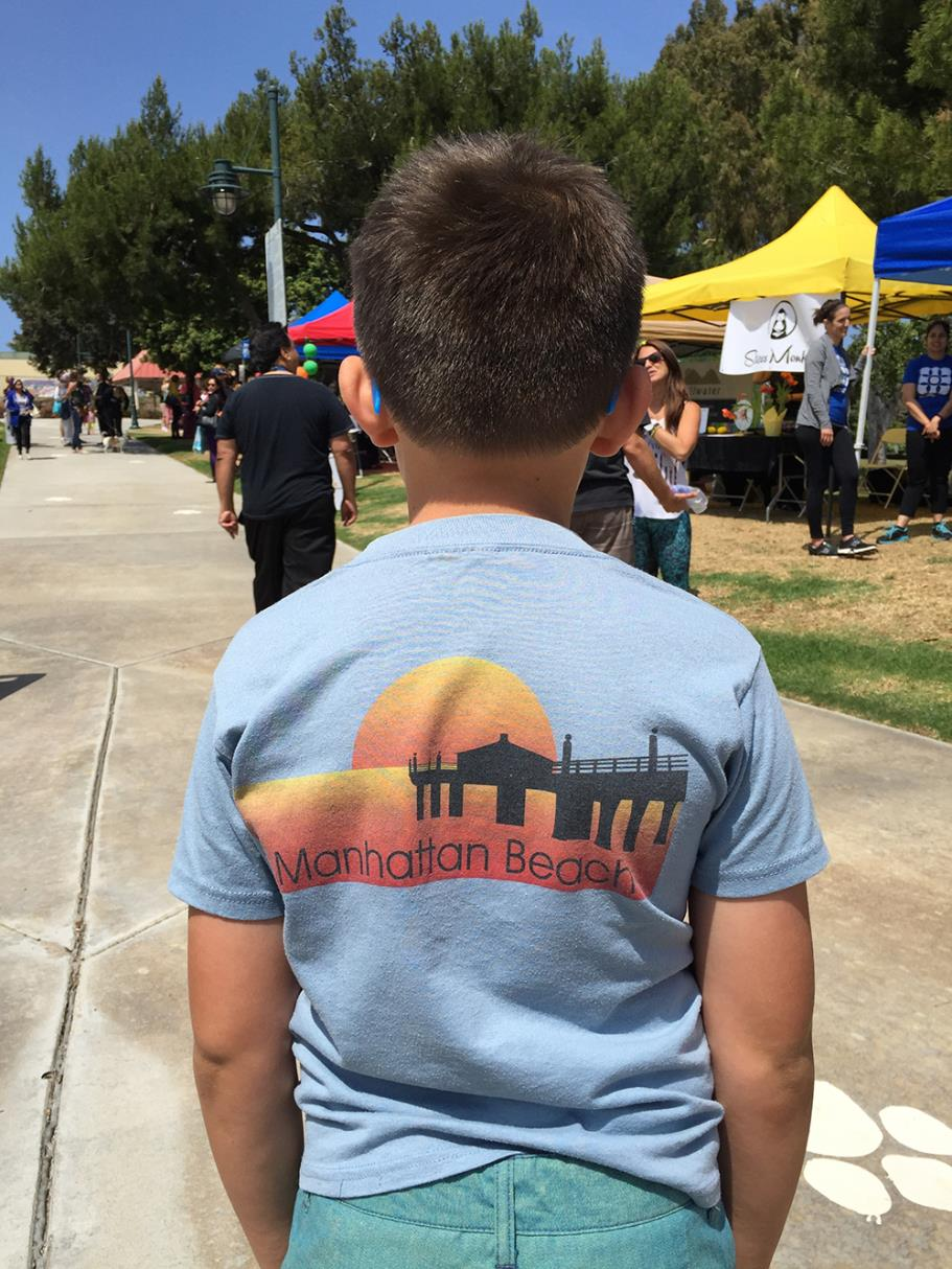 Boy with Manhattan Beach shirt at the Feelgood Festival