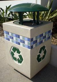 Sidewalk recycling barrel